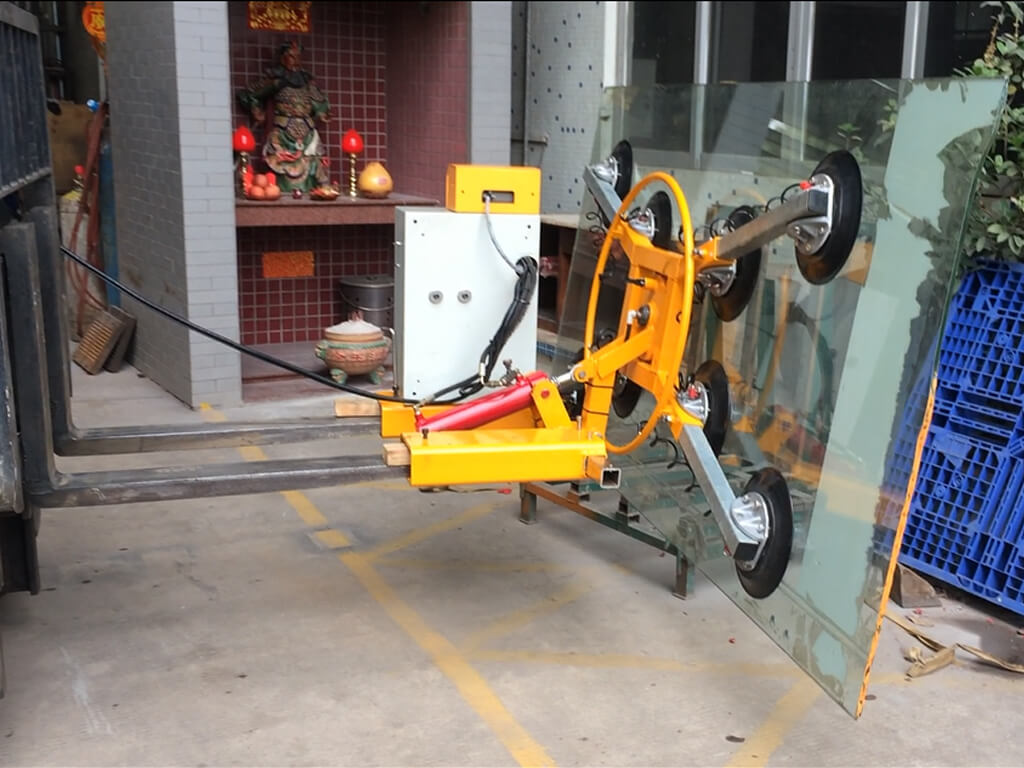 Glass Lifter Mounted On Forklift 2