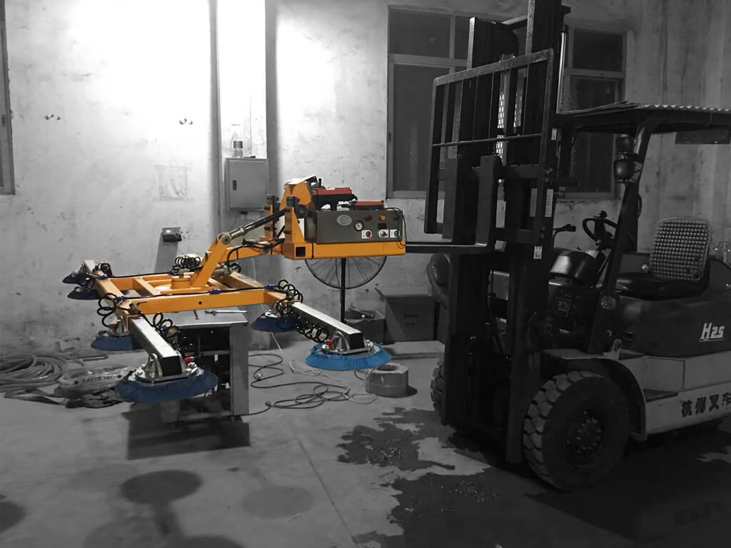 Slab Lifter Mounted On Forklift 3